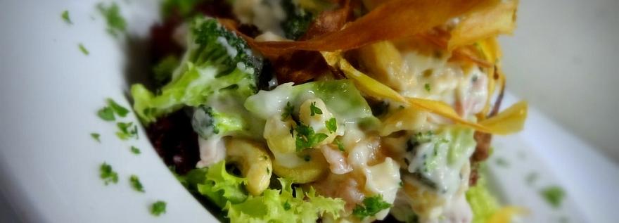 Broccoli and Cashew Salad